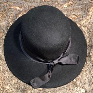 Satin Tie Wool Hat